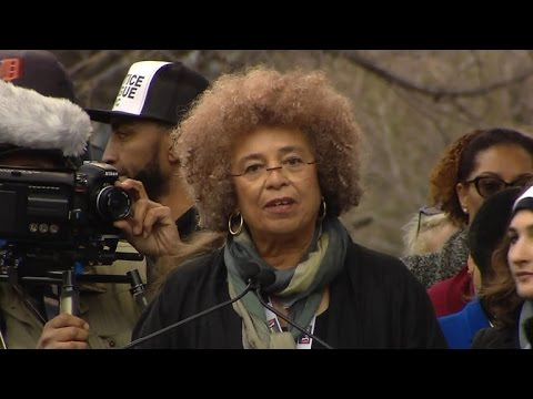 angeladavis_womensmarch_2017