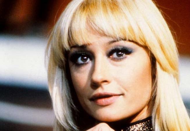 Close up of Raffaella Carra